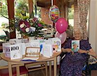 Joan_Jackson_on_her_100th_birthday