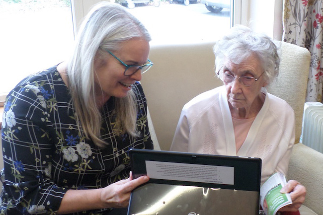 care-home-resident-uses-skyp-call